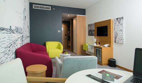 ibis Styles Bahrain bedroom_2